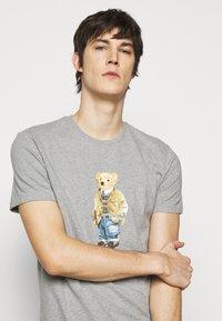 Polo Ralph Lauren - Print T-shirt - andover heather - 3