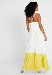 Missguided - STRAPPY PLEATED DRESS COLOURBLOCK - Maxi dress - white - 3