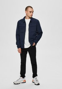 Selected Homme - SLHNILES - Tunn jacka - mottled dark blue - 1