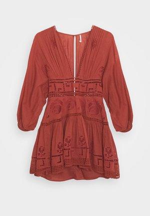 TEA TIME MINI - Sukienka letnia - rust worthy