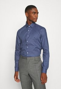 Calvin Klein Tailored - STRUCTURE EASY CARE SLIM SHIRT - Formal shirt - blue - 0