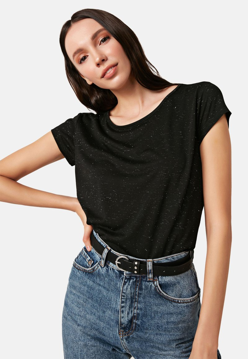 LC Waikiki - Basic T-shirt - black