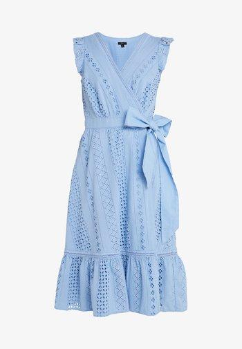 GRAND HEAVY EYELET DRESS