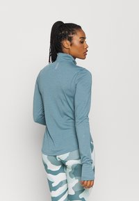 Under Armour - STREAKER HALF ZIP - T-shirt de sport - lichen blue - 2