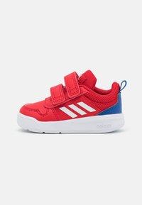 scarlet/footwear white/team royal blue
