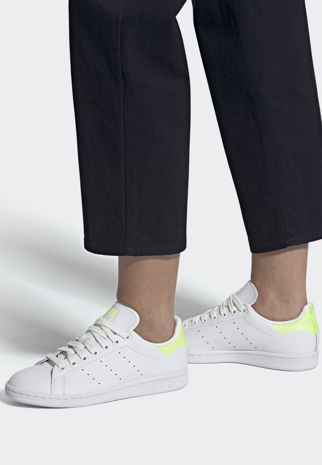 STAN SMITH SPORTS INSPIRED SHOES - Baskets basses - ftwwht/hireye/ftwwht