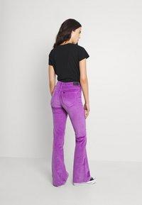 Lee - BREESE - Pantalones - purple - 2