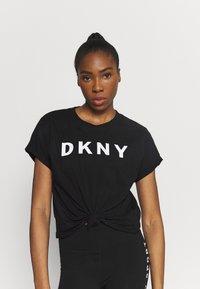 DKNY - EXPLODED LOGO BOXY TEE - Print T-shirt - black - 0