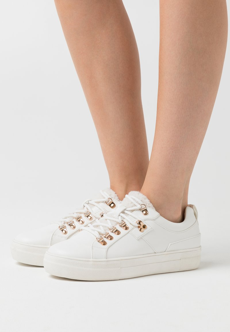 ONLY SHOES - ONLSTELLA  - Sneakers laag - offwhite