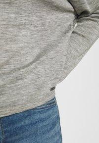 Guess - CHAHIDA - Topper langermet - light melange grey - 6