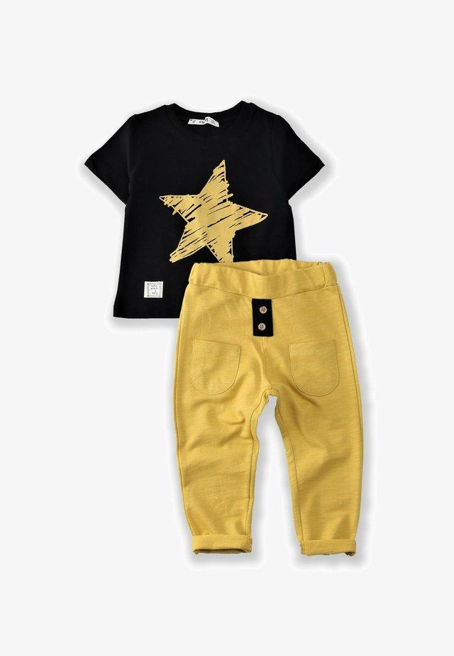T-SHIRT AND JOGGING SET - Pantaloni sportivi - black