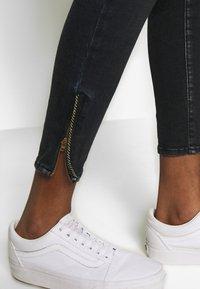 Le Temps Des Cerises - PULPC - Slim fit jeans - black/blue - 3