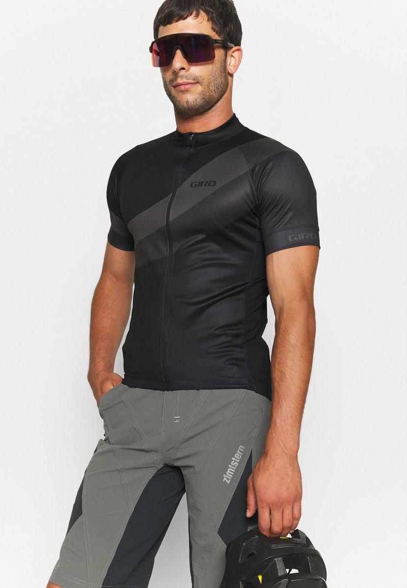 Giro - CHRONO SPORT - Pyöräilypaita - black render