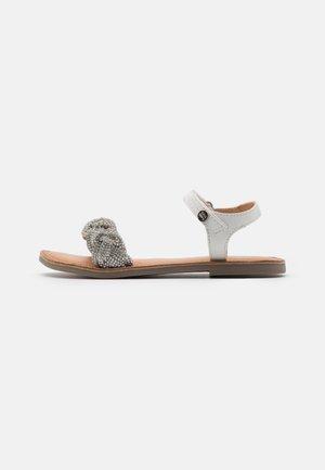 TRIPP - Sandals - blanco
