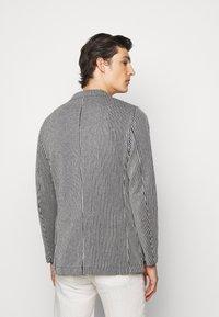 Boglioli - Blazer jacket - dark blue/white - 2