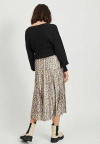 Vila - Pleated skirt - motld beige - 2