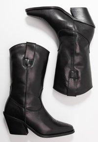 Vero Moda - VMASA BOOT - Cowboy/Biker boots - black - 3