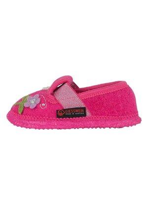 TRÖBITZ - Baby shoes - himbeer