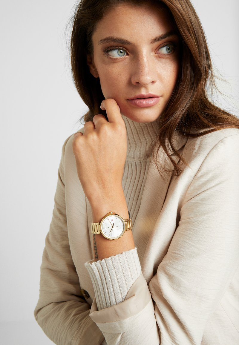 Tommy Hilfiger - DRESSED - Montre - gold-coloured