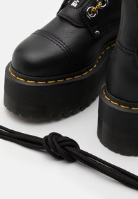 Dr. Martens - SINCLAIR HI MAX - Platform ankle boots - black pisa - 5