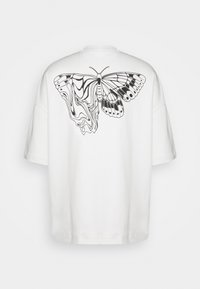 NU-IN - Byron Denton x NU-IN MELTED BUTTERFLY OVERSIZED  - Printtipaita - off-white - 1
