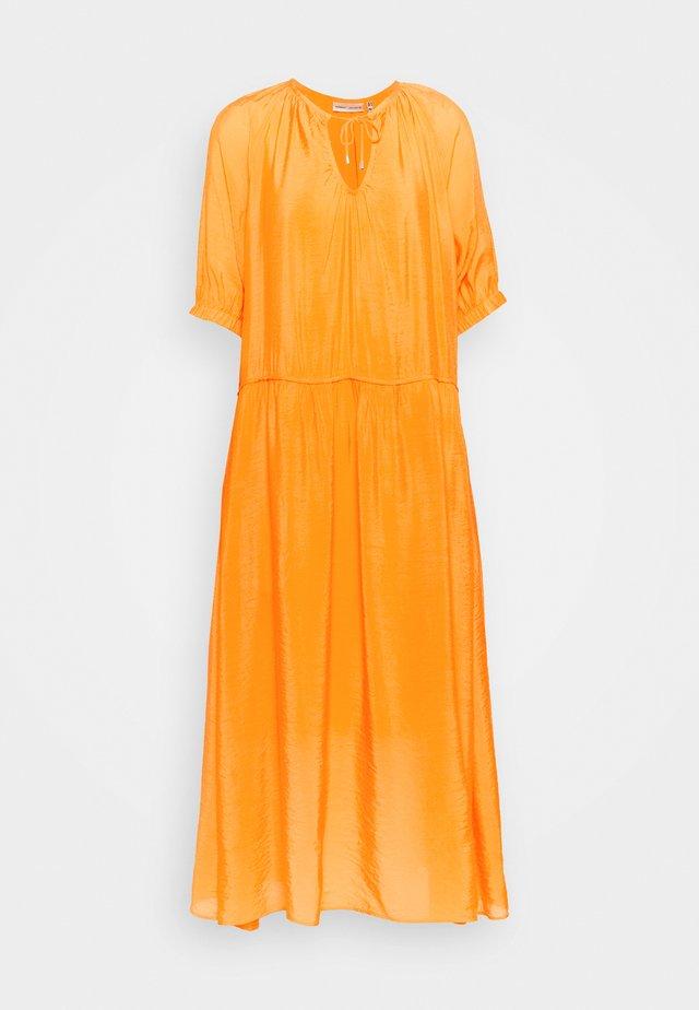 HAZINI DRESS - Maxi-jurk - vibrant orange
