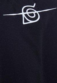 Bershka - NARUTO - T-shirt z nadrukiem - black - 5