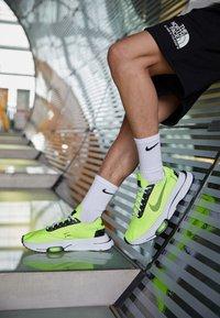Nike Sportswear - AIR ZOOM TYPE - Trainers - volt/black/white - 2
