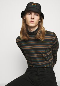 PS Paul Smith - EXCLUSIVE BUCKET HAT UNISEX - Klobouk - black - 0