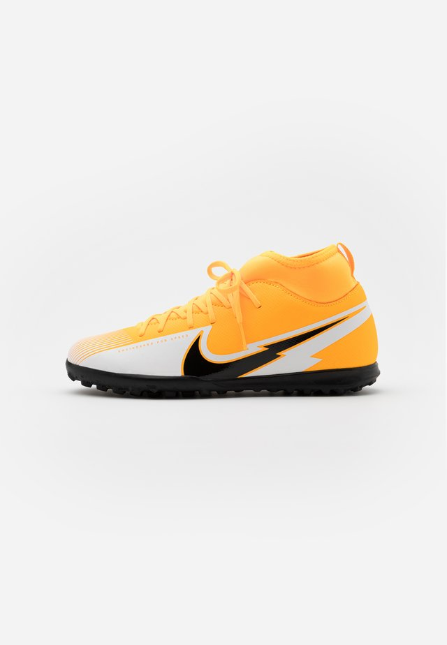 MERCURIAL JR 7 CLUB TF UNISEX - Astro turf trainers - laser orange/black/white