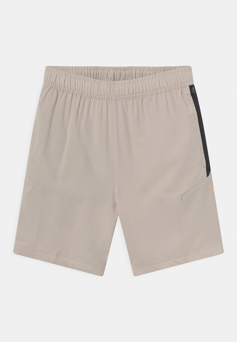 Nike Sportswear - GET OUTSIDE - Kraťasy - desert sand