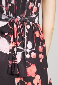 Anna Field - MAXI DRESS WITH PRINT - Maxi dress - black/rose - 4