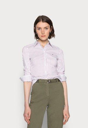 STRETCH POPLIN SLIM SHIRT - Button-down blouse - red