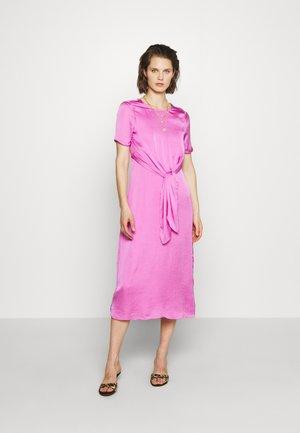 THE KNOT DRESS - Denní šaty - lilac