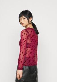 New Look Petite - FLOCKED SPOT  - Long sleeved top - dark burgundy - 2