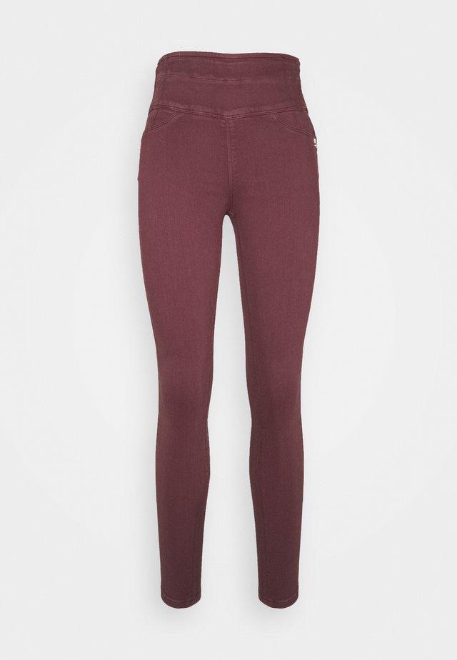 HIGH WAIST SHAPE - Jeans Skinny Fit - violet swan
