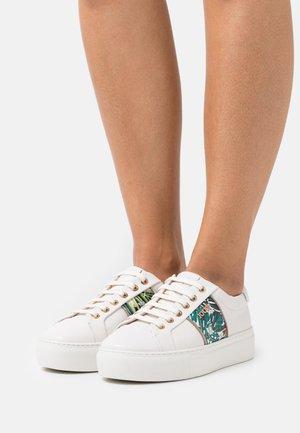 LISTA DAPHNE  - Sneakersy niskie - green