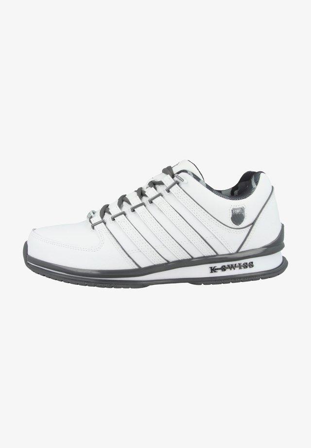 Trainers - white-smoked pearl-camo (01235-130)