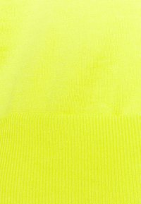 Banana Republic - CREW SOLIDS - Jumper - lively chartreuse - 2