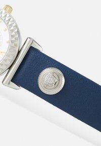 Versace Watches - MINI VANITY - Watch - blue - 3