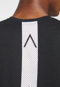 Jordan - AIR TOP - T-shirt de sport - black/white - 5