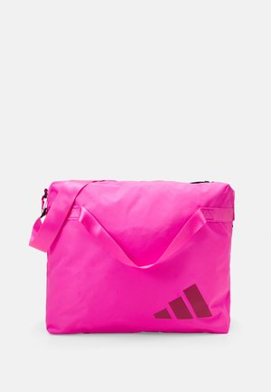 STREET TOTE - Sporttasche - screaming pink/white