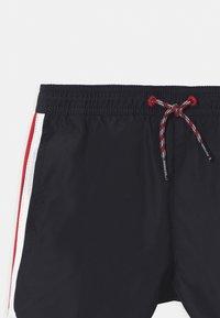 Tommy Hilfiger - RUNNER - Swimming shorts - desert sky - 2