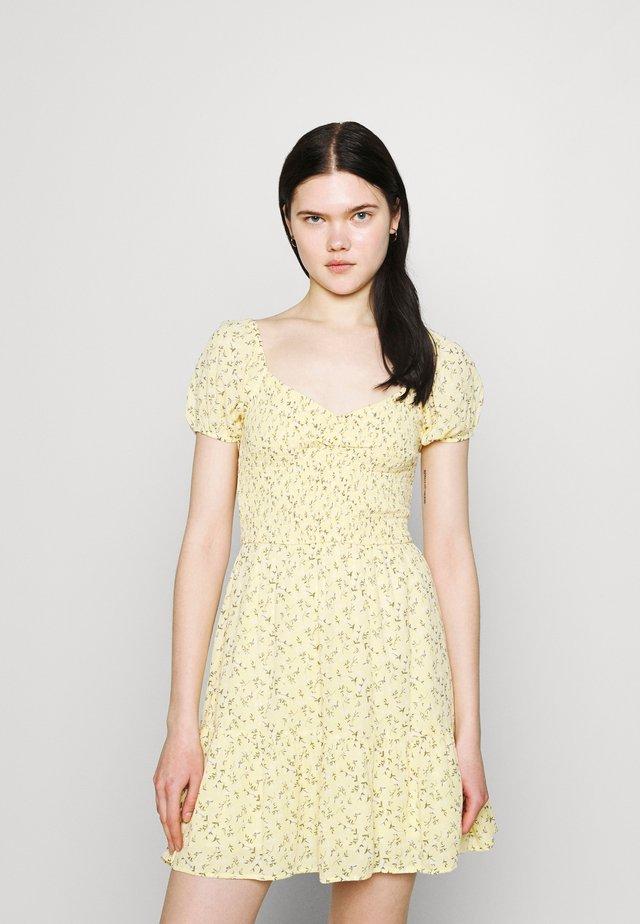 SHORT DRESS - Korte jurk - yellow
