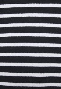 Jack & Jones - JJAUGUST CREW NECK - Stickad tröja - navy blazer - 5