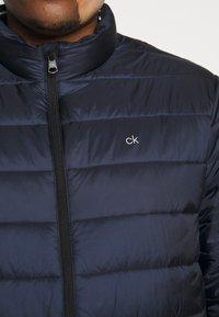 Calvin Klein - LIGHT WEIGHT SIDE LOGO JACKET - Giacca invernale - blue - 5