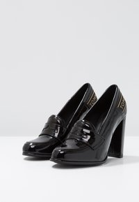 Tommy Hilfiger - ICONIC LOAFER - Szpilki - black - 4