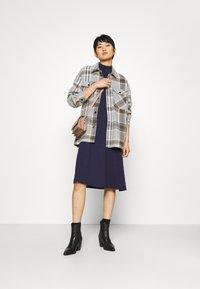 Zign - Short sleeves flared basic midi dress - Jersey dress - dark blue - 1