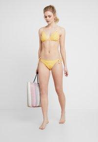 O'Neill - CAPRI BONDEY SET - Bikini - yellow/white - 1