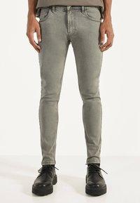Bershka - Jeans Skinny Fit - light grey - 0